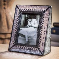 J Devlin Pic 376-2535 Stained Glass Picture Frame Holds 2 1/2 x 3 1/2 Vertical Portrait Photo Pale Purple with Clear Textured Vintage Glass